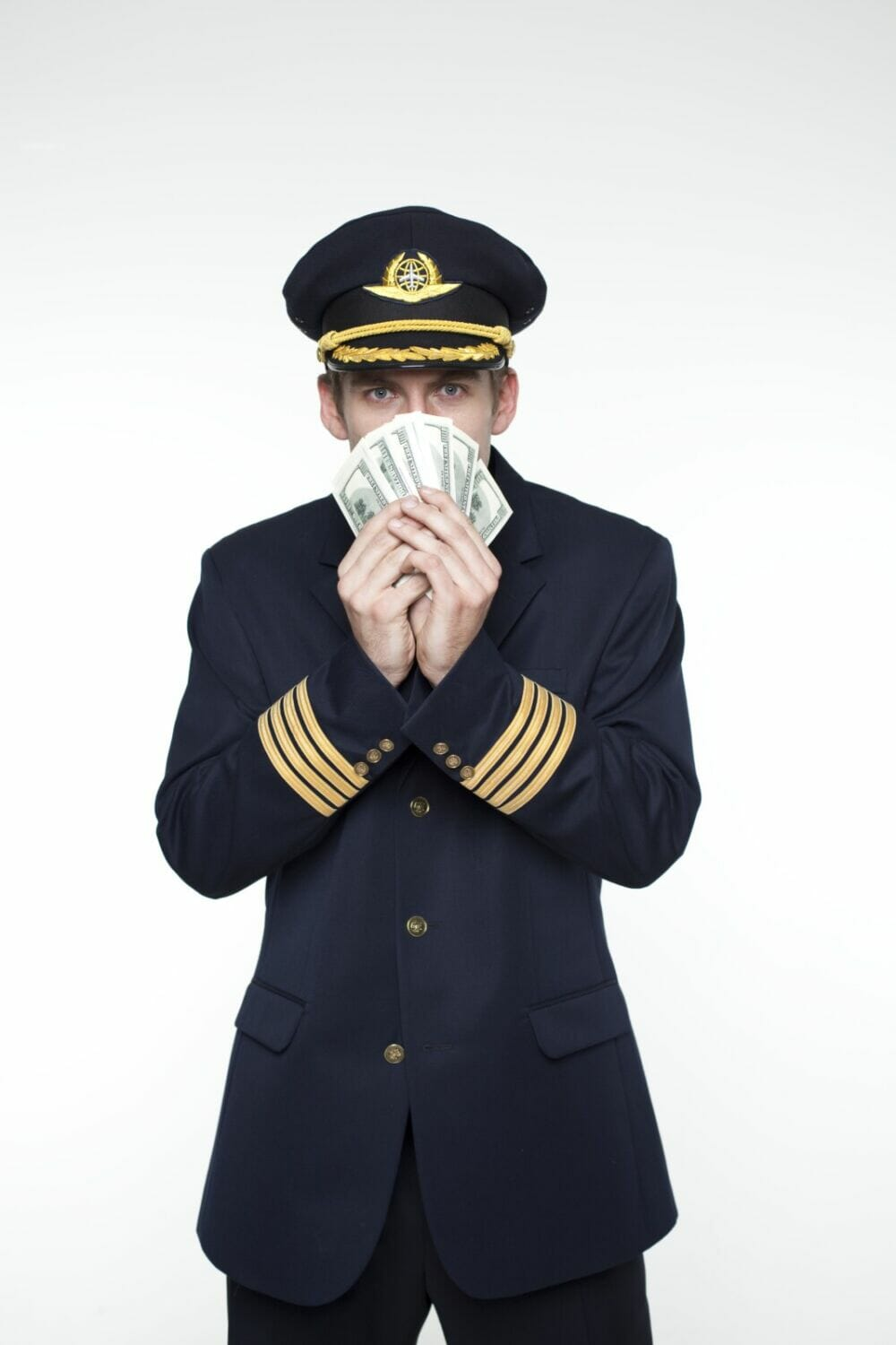 What is the salary of an airline pilot
