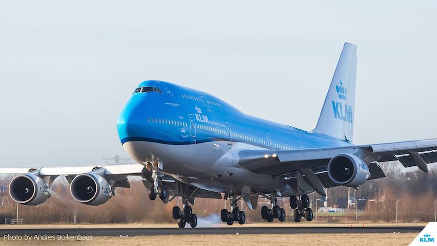 How much fuel does a Boeing 747 Jumbo Jet burn?
