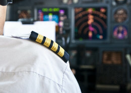 How do pilots make decision?
