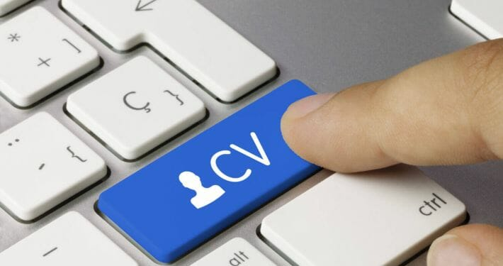 How to design a CV for an airline pilot application