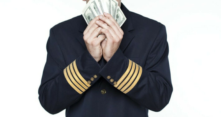 How much does commercial flight training cost?